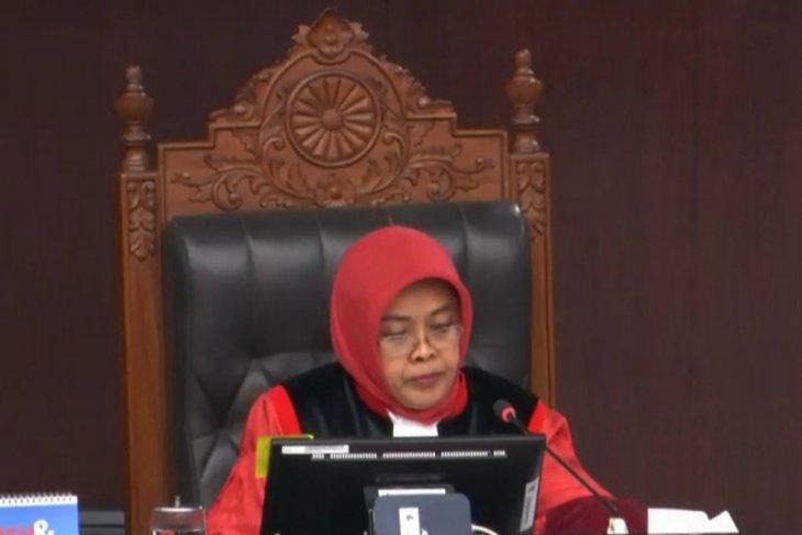 Hakim MK  'ciduk'  pemohon sengketa pilkada yang lakukan perbaikan terselubung, bukan dari Jambi