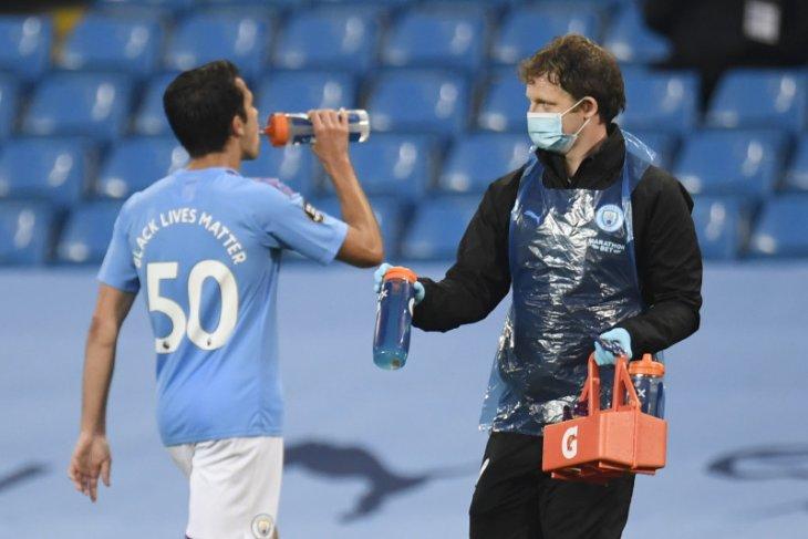 Liga Inggris: Bek Manchester City Eric Garcia positif COVID-19