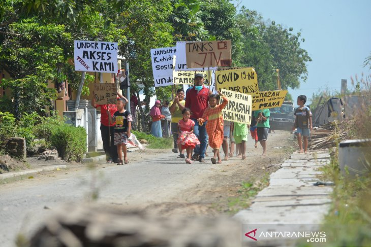 Tolak jalan layang perlintasan sebidang di Mojokerto