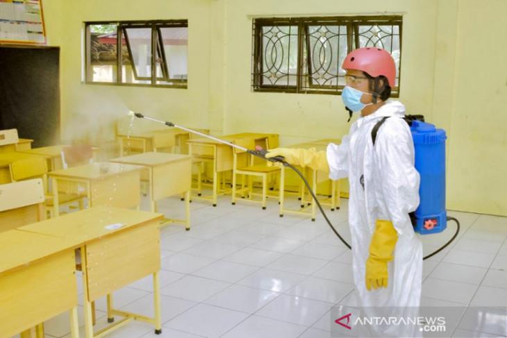Sabang sterilkan sekolah jelang dimulai tahun ajaran baru