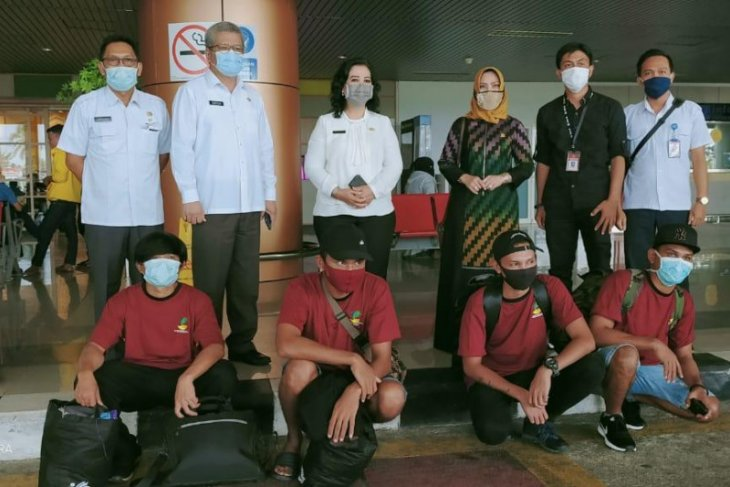 Tiga bulan di panampungan Kalbar, Haji Uma pulangkan TKI asal Aceh