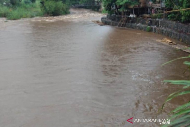 Pencemaran sungai Amandit, Dispera KPLH HSS temukan 20 mesin sedot pasir