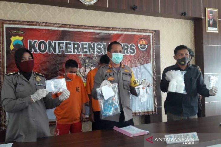 Polisi  sita ribuan butir obat terlarang di Temanggung