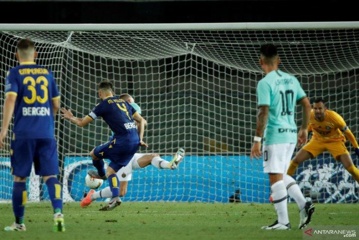 Inter kembali gagal petik poin maksimal,  ditahan imbang Verona 2-2