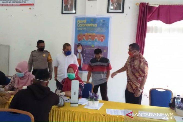 Kesehatan petugas Coklit Pilkada Tapsel 2020 diperiksa serempak di 15 kecamatan