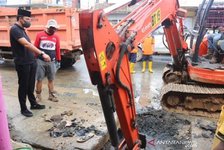 Pemkab Tanah Bumbu maksimalkan penanganan drainase di Jalan Transmigrasi