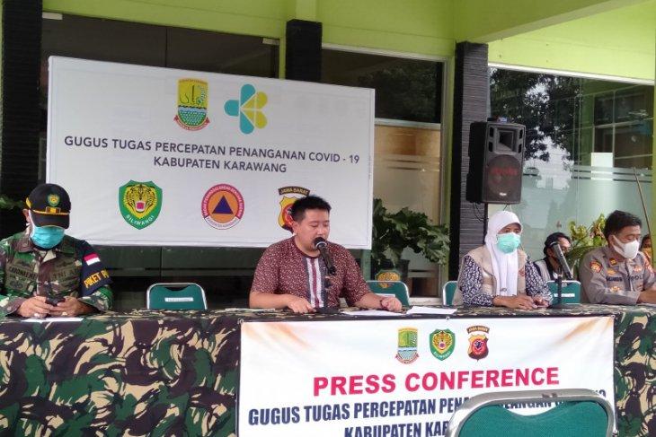 Pasangan suami isteri di Kabupaten  Karawang positif COVID-19