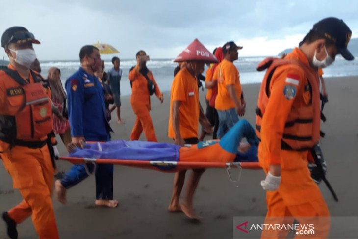 Tiga  nelayan yang hilang di Pangandaran ditemukan selamat