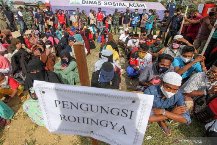 Rohingya refugees shifted to new shelter in Lhokseumawe