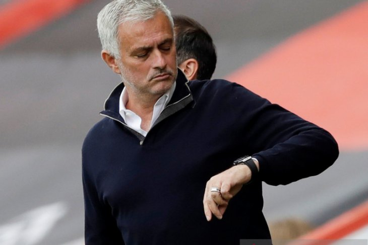 Jose Mourinho janjikan trofi untuk Spurs sebelum kontraknya habis