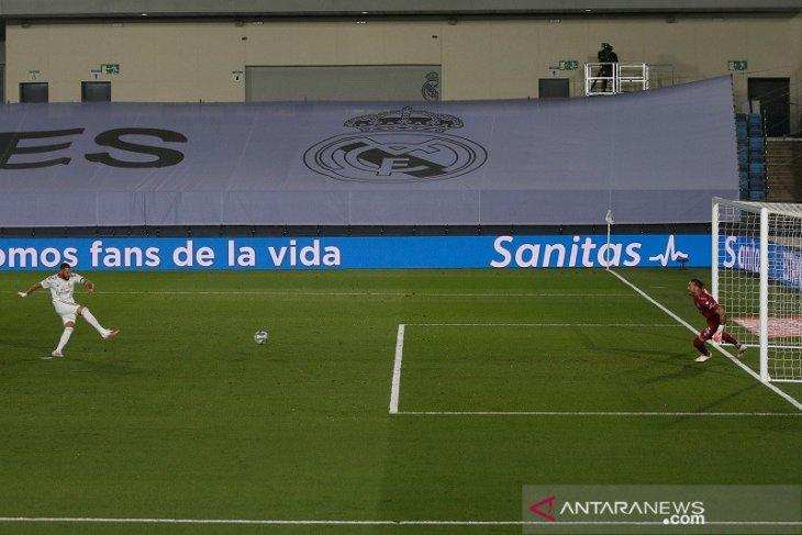 Kemenangan Real Madrid atas Alaves kembali diwarnai penalti
