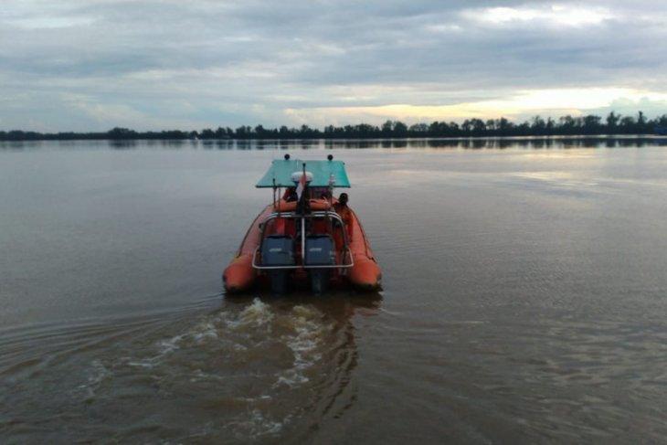 Tim SAR Pontianak  cari 16 ABK-penumpang KM alami kerusakan mesin