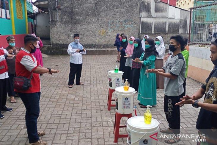 PMI Sukabumi sosialisasikan tahapan persiapan hadapi normal baru di ponpes