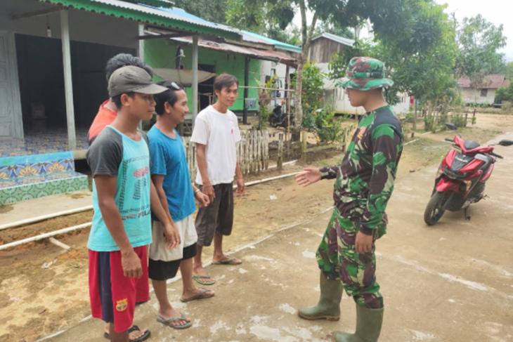 Satgas TMMD 108 Kodim 1203/Ktp ajak para pemuda jadi TNI