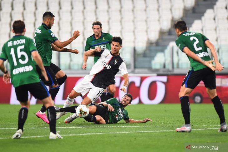Klasemen Liga Italia  setelah dua teratas kembali gagal raih kemenangan