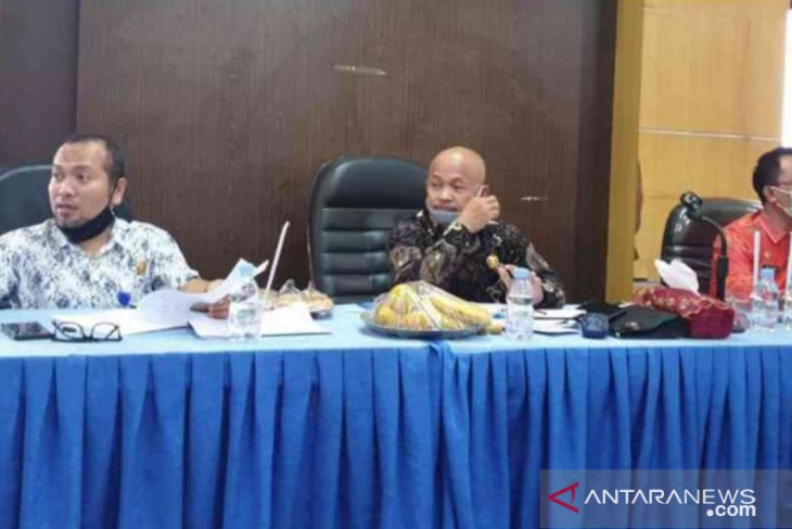 DPRD Bekasi cek sejumlah desa kesiapan perubahan administrasi penduduk