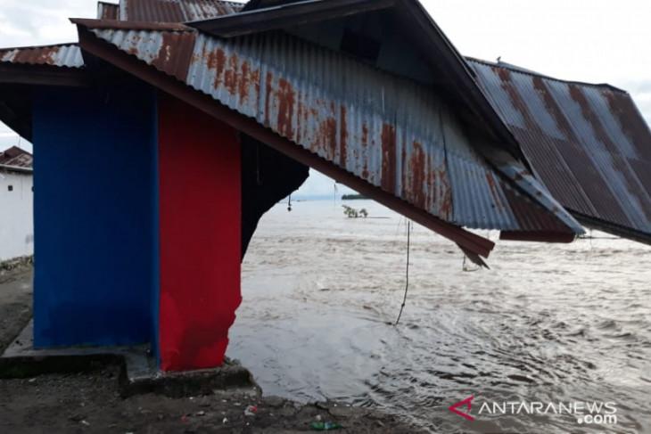 Banjir Parigi Sulteng, enam rumah hanyut
