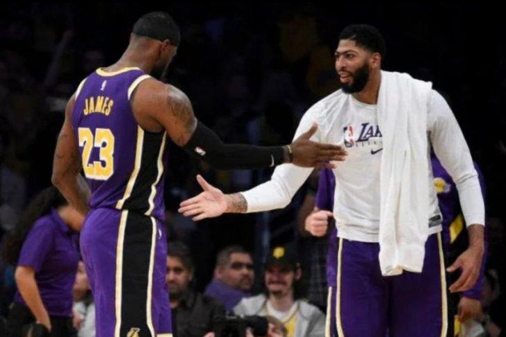 Bintang LA Lakers James tolak pakai jersey bertuliskan pesan sosial saat restart NBA