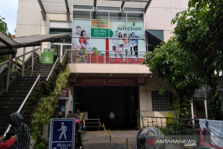 Temporary shutdown of Bogor's Yogya Junction Mall to control COVID-19