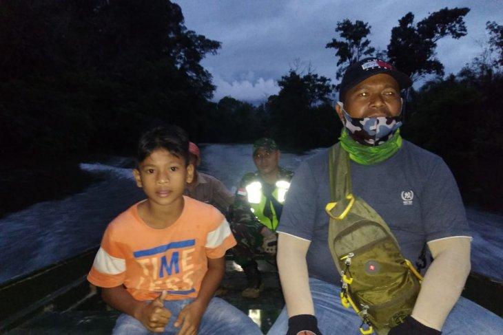 Kopda Simon seberangkan Maldini dengan speed boat