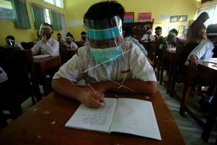 MPLS siswa baru