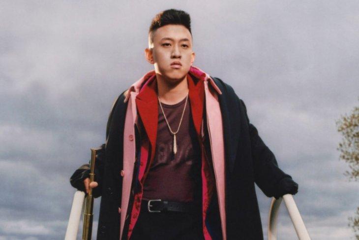 Rapper  Rich Brian rilis lagu