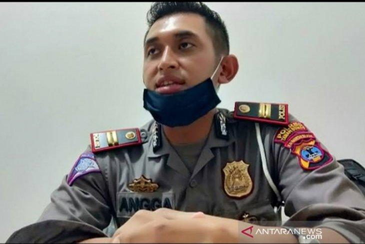 Pengendara diminta hati-hati saat melintasi Jalan Mentewe menuju Kabupaten Banjar