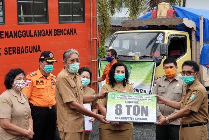 Pemprov Kalbar salurkan bantuan delapan ton beras untuk korban banjir di Sintang