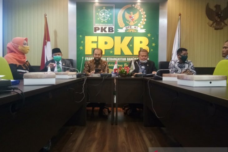 Petani Sumut yang berjalan kaki ke Jakarta diterima DPR RI