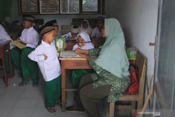 Madrasah diniyah di Kabupaten Lebak mulai terapkan belajar tatap muka