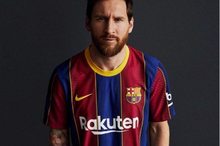 Barcelona rilis jersey baru musim 2020/21