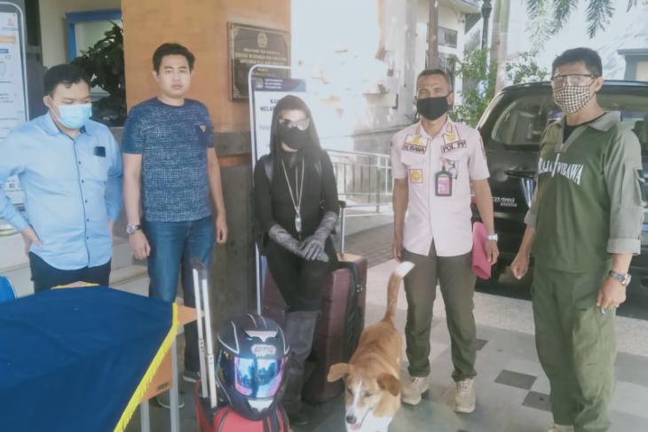 Imigrasi Ngurah Rai Bali bawa turis Amerika yang depresi ke RS