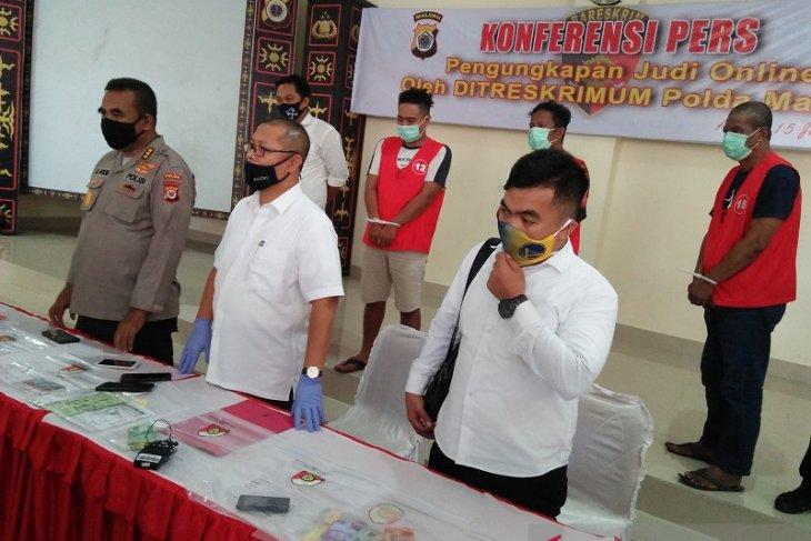 Ditreskrimum Polda Maluku amankan tiga pelaku judi online