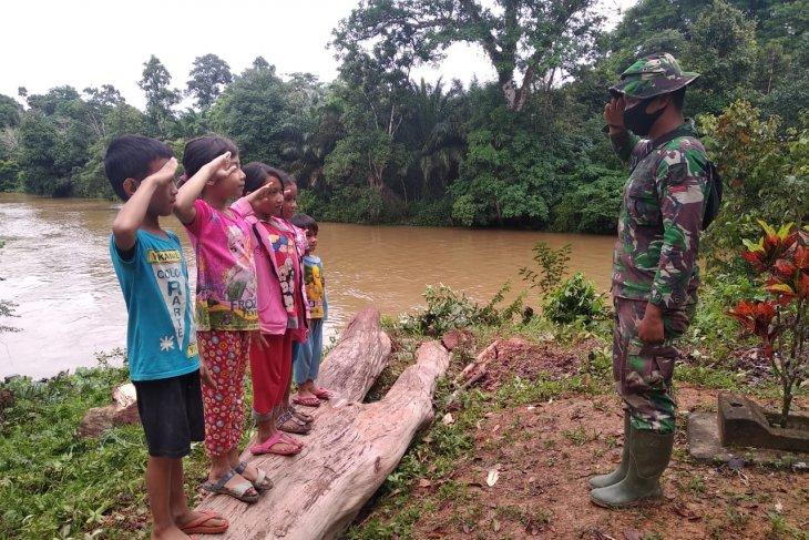 Tarik Minat Anak Anak Untuk Menjadi Anggota TNI