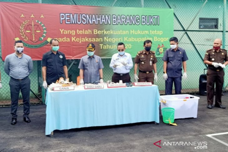 Kejari Bogor musnahkan barang bukti narkoba