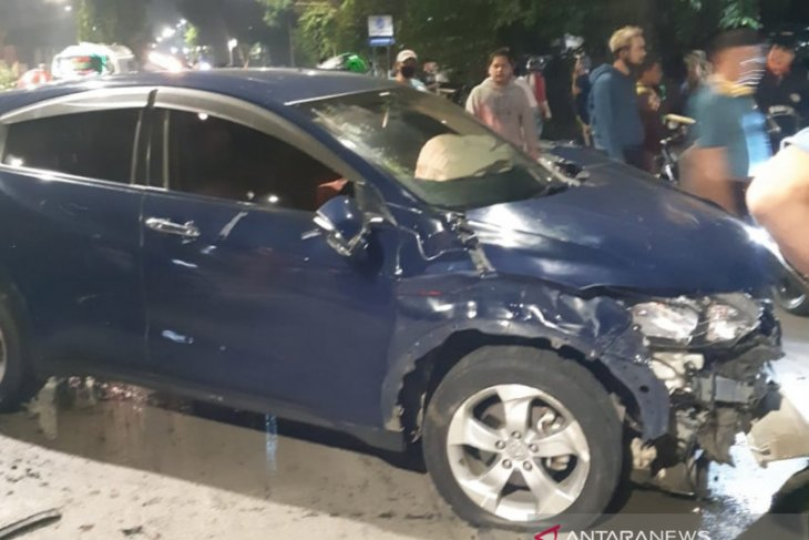 Two killed, one pedestrian injured in traffic accident in Jakarta