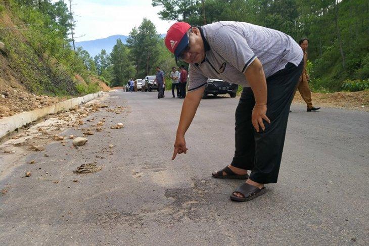 Pemerintah Aceh diminta tuntaskan pembangunan jalan tembus pedalaman