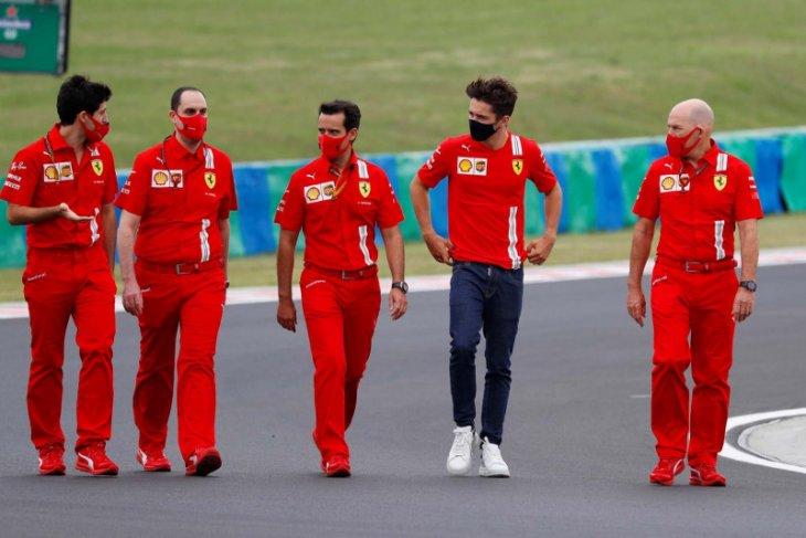 Pebalap Ferrari Charles Leclerc umumkan positif COVID-19