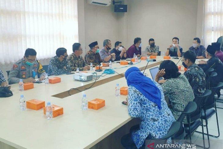 Wow, ada 4.895 orang telah meninggal dukung calon perseorangan di Karawang