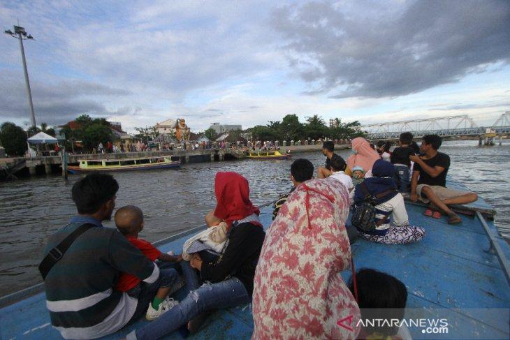 Wisata Susur Sungai Martapura di Banjarmasin