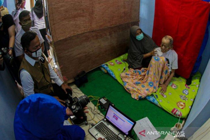 Perekaman dan pencetakan KTPE  warga Kota Bogor wajib KTP capai 99 persen