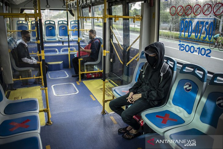 Weekend Stories -- Public transport adapts for new normal, continues alternate seating