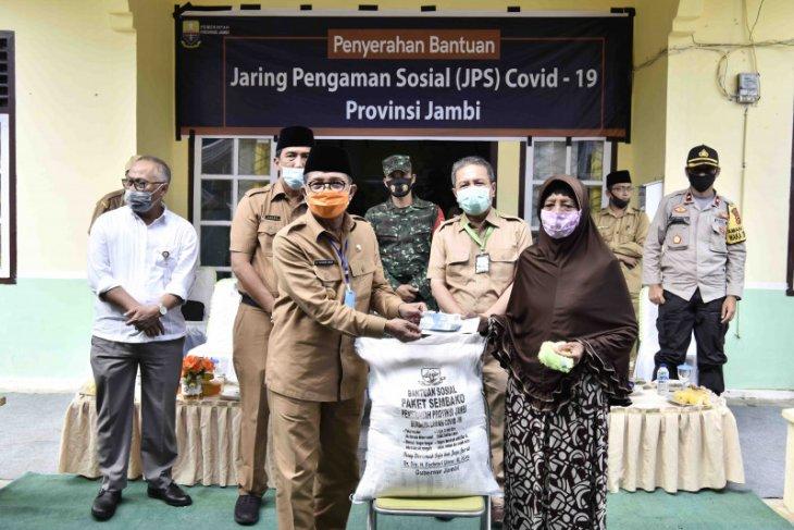 Gubernur Fachrori salurkan bantuan JPS tahap II di Batanghari