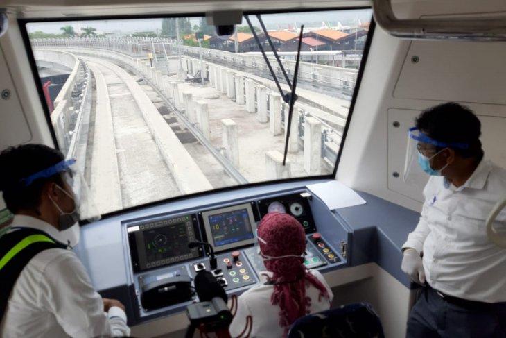 Len Industri  dan BPPT uji kereta