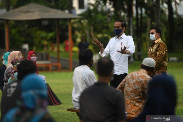 Beri modal usaha, Presiden undang pekerja informal ke Istana Bogor