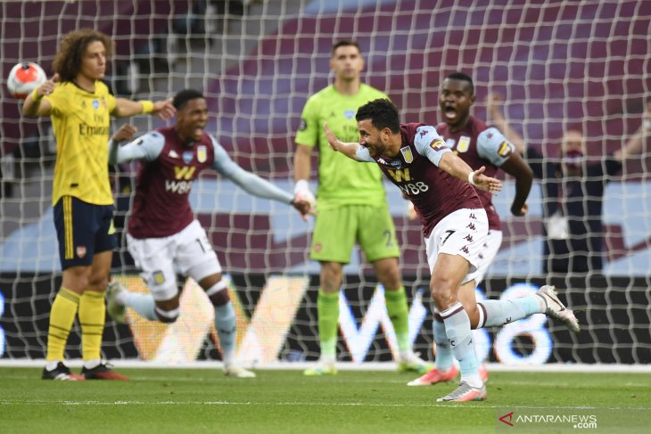 Trezeguet keluarkan Aston Villa dari zona degradasi