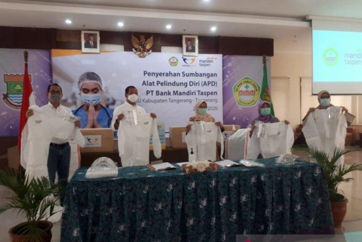 Bank Mantap salurkan bantuan APD ke RSUD Tangerang hasil donasi pegawai