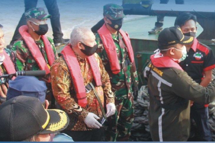 Bupati Tanjabbar dan Danlanal Palembang lakukan patroli perairan Kualatungkal