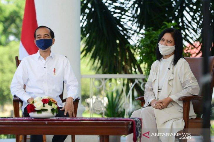 Presiden dan Ibu Negara  mengaku melihat senyum anak Indonesia kerja lebih semangat