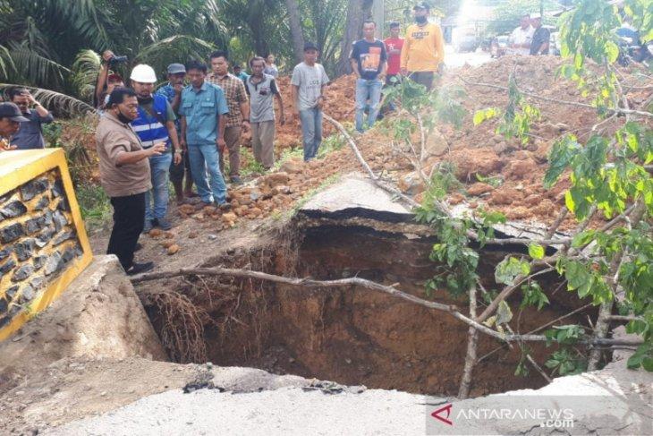 Bupati Madina : Dua jembatan sudah selesai diperbaiki